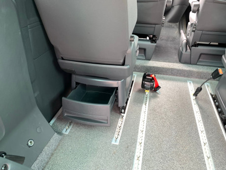 Volkswagen Caravelle 2014 SE TDI BLUEMOTION TECHNOLOGY wheelchair & scooter accessible vehicle 13