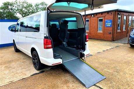 Volkswagen Caravelle 2014 SE TDI BLUEMOTION TECHNOLOGY wheelchair & scooter accessible vehicle