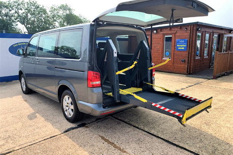 Volkswagen Caravelle 2013 SE TDI wheelchair & scooter accessible vehicle WAV