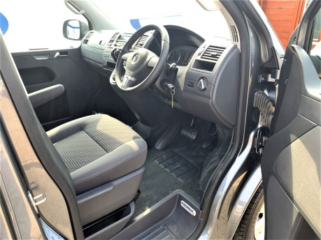 Volkswagen Caravelle 2013 SE TDI wheelchair & scooter accessible vehicle WAV 18