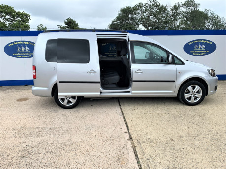 Volkswagen Caddy Maxi 2013 C20 LIFE TDI Wheelchair & scooter accessible vehicle WAV 21