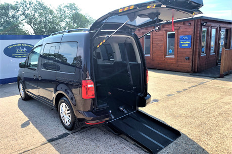 Volkswagen Caddy Life C20 LIFE TDI driver transfer wheelchair & scooter accessible vehicle