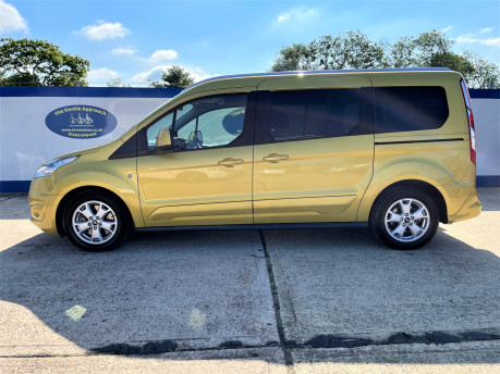 Ford Grand Tourneo Connect 2018 TITANIUM TDCI Wheelchair & scooter accessible vehicle WAV 27