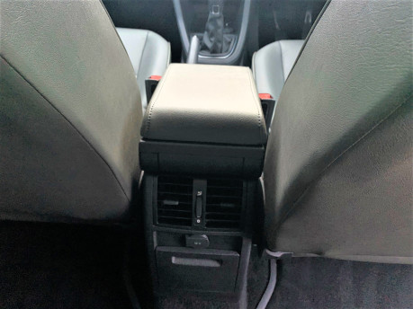 Volkswagen Caddy Maxi 2016 C20 LIFE TDI wheelchair & scooter accessible vehicle WAV 22