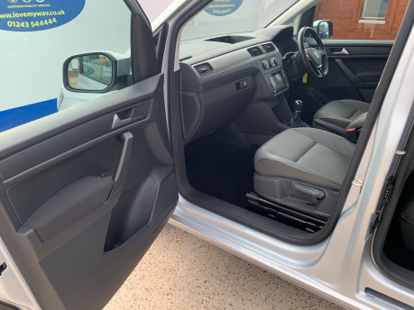 Volkswagen Caddy Maxi 2016 C20 LIFE TDI wheelchair & scooter accessible vehicle WAV 23