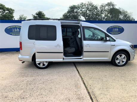 Volkswagen Caddy Maxi 2016 C20 LIFE TDI wheelchair & scooter accessible vehicle WAV 30