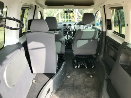Volkswagen Caddy C20 LIFE TDI Wheelchair Accessible Vehicle 4