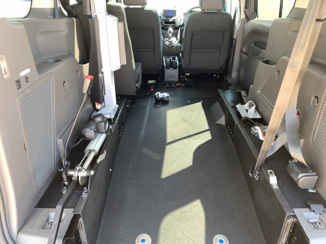 Ford Grand Tourneo Connect 2020 TITANIUM TDCI wheelchair & scooter accessible vehicle WAV 9