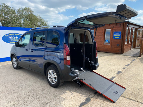 Peugeot Rifter PURETECH S/S ALLURE wheelchair & scooter accessible vehicle WAV 1