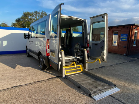 Renault Master SL28 BUSINESS DCI P/V QUICKSHIFT wheelchair accessible vehicle WAV 1