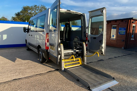 Renault Master SL28 BUSINESS DCI P/V QUICKSHIFT wheelchair accessible vehicle WAV