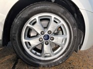 Ford Tourneo Connect TITANIUM 24