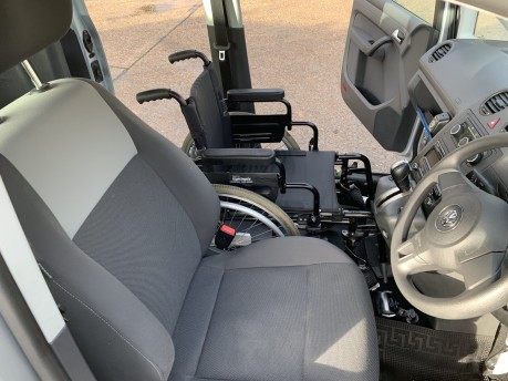 Volkswagen Caddy C20 LIFE TDI Wheelchair Accessible Vehicle 16