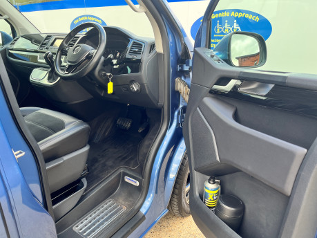 Volkswagen Caravelle EXECUTIVE TDI BMT wheelchair & scooter accessible vehicle WAV 19