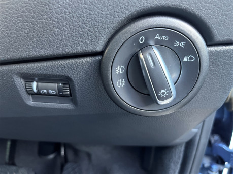 Volkswagen Caravelle EXECUTIVE TDI BMT wheelchair & scooter accessible vehicle WAV 18