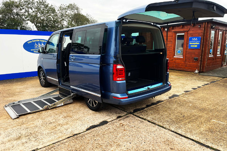 Volkswagen Caravelle EXECUTIVE TDI BMT wheelchair & scooter accessible vehicle WAV