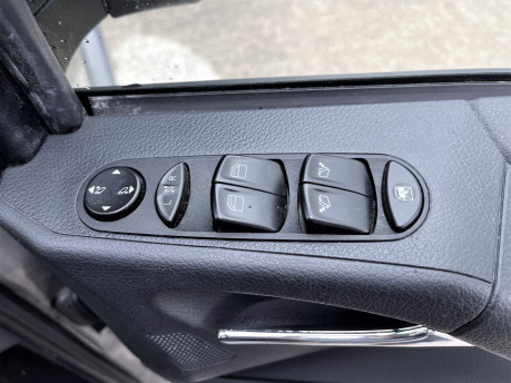 Mercedes-Benz Viano AMBIENTE CDI BLUEEFFICENCY wheelchair & scooter accessible vehicle WAV 13