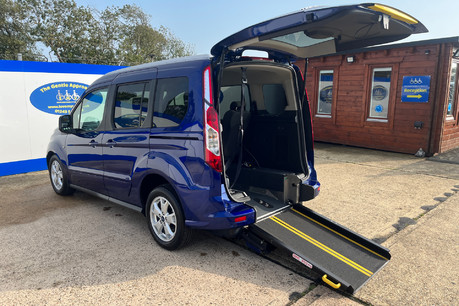 Ford Tourneo Connect TITANIUM TDCI wheelchair & scooter accessible vehicle WAV