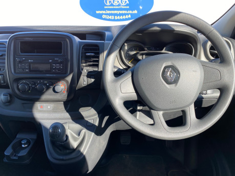 Renault Trafic LH29 BUSINESS ENERGY DCI wheelchair & scooter accessible vehicle WAV 2