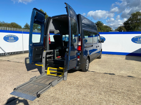 Renault Trafic LH29 BUSINESS ENERGY DCI wheelchair & scooter accessible vehicle WAV 4