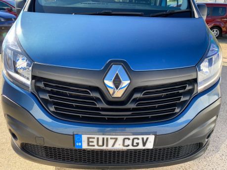 Renault Trafic LH29 BUSINESS ENERGY DCI wheelchair & scooter accessible vehicle WAV 3