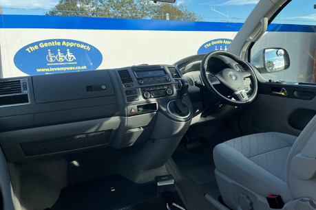 Volkswagen Caravelle SE TDI BLUEMOTION TECHNOLOGY wheelchair & scooter accessible vehicle WAV