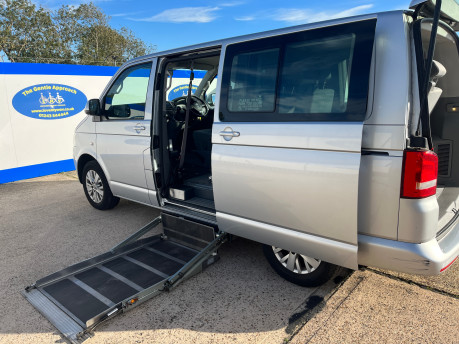 Volkswagen Caravelle SE TDI BLUEMOTION TECHNOLOGY wheelchair & scooter accessible vehicle WAV 4