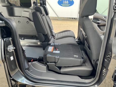 Ford Grand Tourneo Connect TITANIUM TDCI wheelchair & scooter accessible vehicle WAV 22
