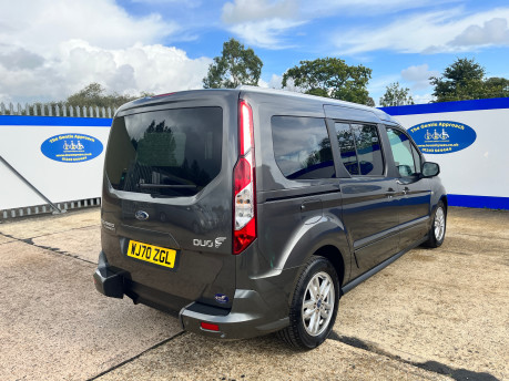 Ford Grand Tourneo Connect TITANIUM TDCI wheelchair & scooter accessible vehicle WAV 20