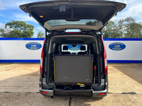 Ford Grand Tourneo Connect TITANIUM TDCI wheelchair & scooter accessible vehicle WAV 7