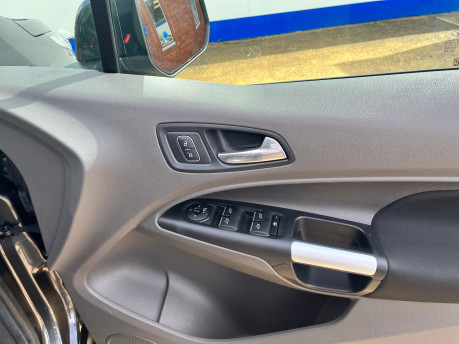 Ford Grand Tourneo Connect TITANIUM TDCI wheelchair & scooter accessible vehicle WAV 13
