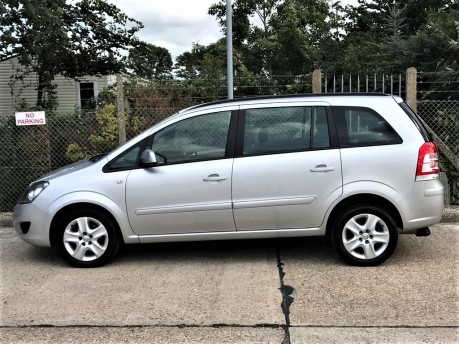 Vauxhall Zafira EXCLUSIV Wheelchair Accessible Vehicle 4