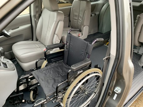 Kia Sedona 2011 3 CRDI Wheelchair Accessible Vehicle WAV 11