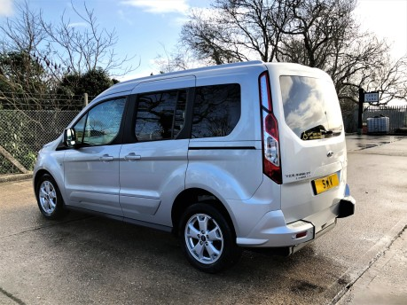 Ford Tourneo Connect TITANIUM 20