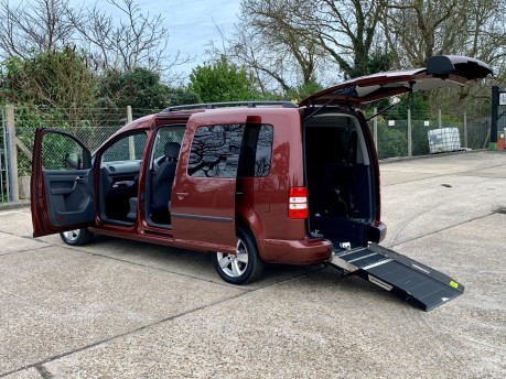 Volkswagen Caddy Maxi C20 LIFE TDI Wheelchair Accessible Vehicle 1