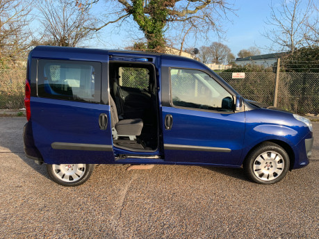 Fiat Doblo 2012 MULTIJET MYLIFE wheelchair & scooter accessible vehicle WAV 5