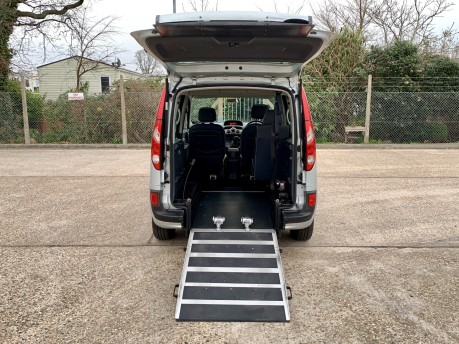 Renault Kangoo EXPRESSION 16V Wheelchair Accessible Vehicle 3