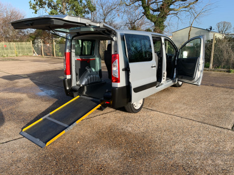 Peugeot Expert 2015 HDI TEPEE COMFORT L1 wheelchair accessible vehicle WAV 23