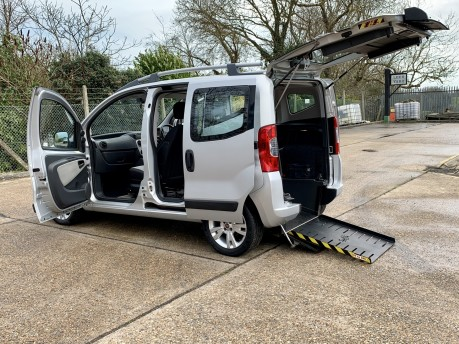 Fiat Qubo MULTIJET DYNAMIC DUALOGIC Wheelchair Accessible Vehicle WAV