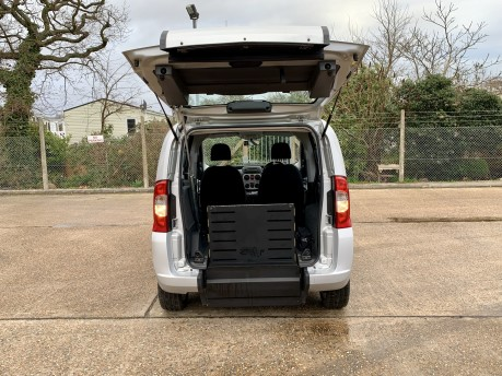 Fiat Qubo MULTIJET DYNAMIC DUALOGIC Wheelchair Accessible Vehicle WAV 2