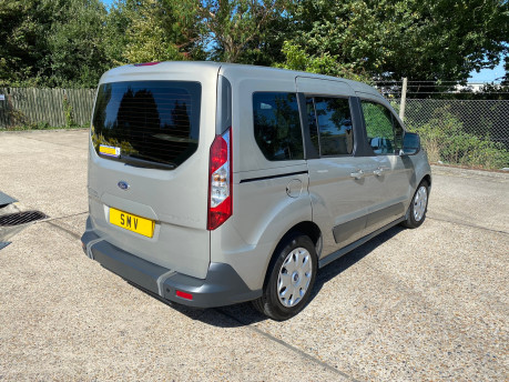 Ford Tourneo Connect 2015 ZETEC TDCI Wheelchair & Scooter Accessible Vehicle WAV 32