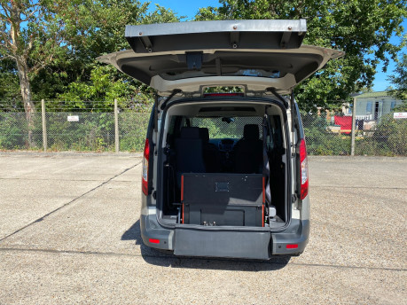 Ford Tourneo Connect 2015 ZETEC TDCI Wheelchair & Scooter Accessible Vehicle WAV 5