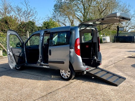 Fiat Doblo 2013 MULTIJET MYLIFE DUALOGIC Wheelchair Accessible Vehicle WAV