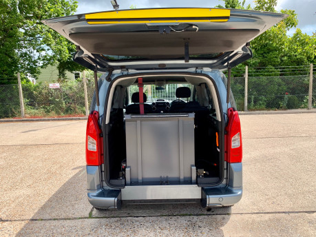 Peugeot Partner TEPEE S HDI Wheelchair Accessible Vehicle WAV 2