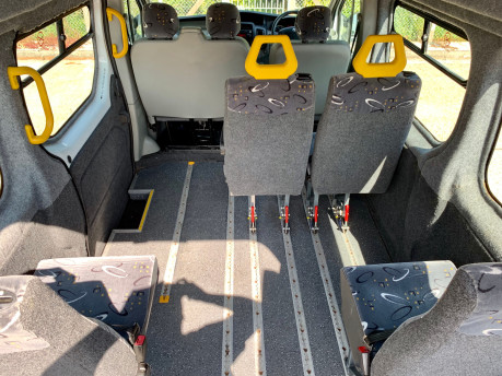 Renault Trafic 2014 LH29 DCI H/R Wheelchair Accessible Vehicle WAV 4