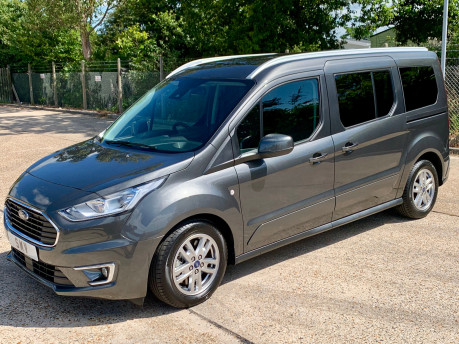 Ford Grand Tourneo Connect LWB Titanium Wheelchair Accessible Vehicle WAV 15