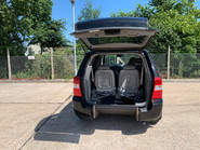 Kia Sedona 2010 3 CRDI wheelchair accessible vehicle WAV 4