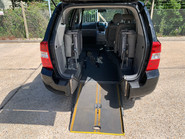 Kia Sedona 2010 3 CRDI wheelchair accessible vehicle WAV 6
