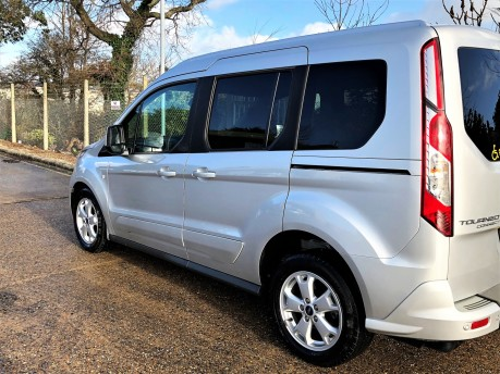 Ford Tourneo Connect TITANIUM 22