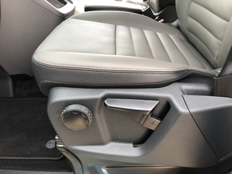 Ford Tourneo Custom Titanium X L2 130ps wheelchair accessible vehicle WAV 18